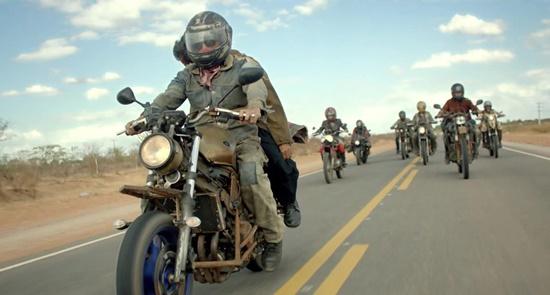 Alguns modelos de Yamaha foram modificadas especialmente para o filme.