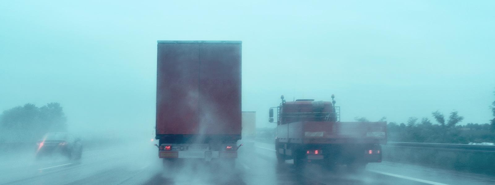 Caminhão e chuva: cuidados para que a combinação não seja fatal