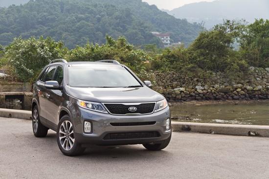 teddy-leung-shutterstock.com-cinco-opces-carros-levar-toda-familia-blog-ceabs